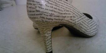 könyvmoly cipő