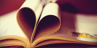könyvmoly valentin
