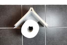 Könyv és papírguriga (toalett, konyhai törlőkendő) tartó polc