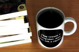 Könyvvásárló bögre