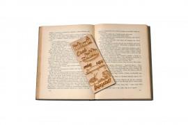 Csak még egy fejezetet fa könyvjelző